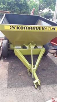 Distribuidor de Calcário Kamaq 5.500 kilos