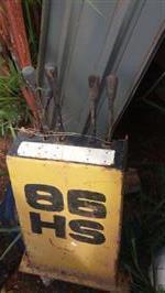 BRACO TRASEIRO RETROESCAVADEIRA  MF 86 HS 1990 COM COMANDO