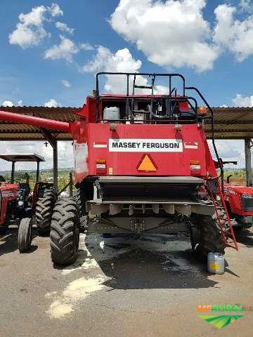 Colheitadeira Massey 9790 ano 2012