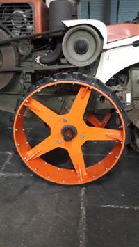 Roda Rosca Varredora e implementos