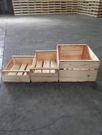 Caixas de madeira para frutas flores e verduras