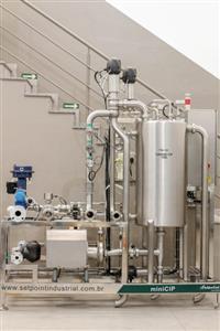 Sistema de limpeza CIP compacto