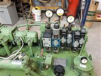 Unidade hidráulica c/ solenoides e motor 10CV