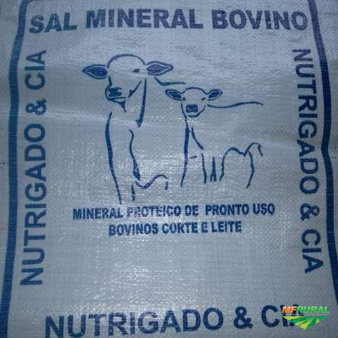 Sal mineral proteinado