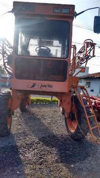 Pulverizador Uniport Jacto