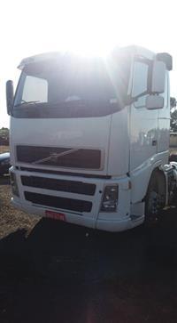Caminhão Volvo NH12 380 ano 06