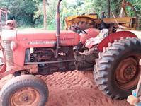 Trator Massey Ferguson