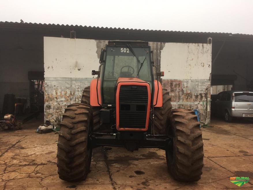 Trator Massey Ferguson 680 4x4 ano 06