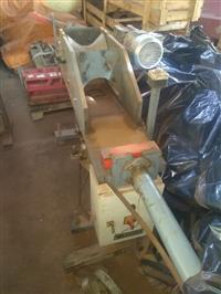 Máquina para fazer cumueira de concreto