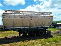 Silo para ração, marca Thriel, quadrado, capacidade 20 - 21 ton, com 6 gavetas