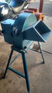 Triturador e picador usado, com motor 2 cv monofásico