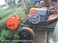 Motor Yammer NB13 acoplado com bomba para irrigação e carreta 2 rodas.