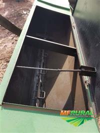 Distribuidor de adubo e calcário, sans, tipo cocho, 1000 kg