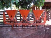 Sulcador/Cultivador/Subsolador com grades e trilho em V para nivelamento VALOR NEGOCIÁVEL