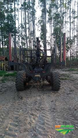 Trator Massey Ferguson 630 4x4 ano 04