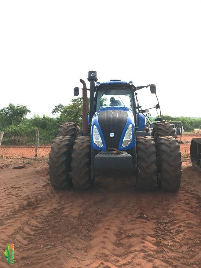 Trator New Holland T8.355 4x4 ano 14