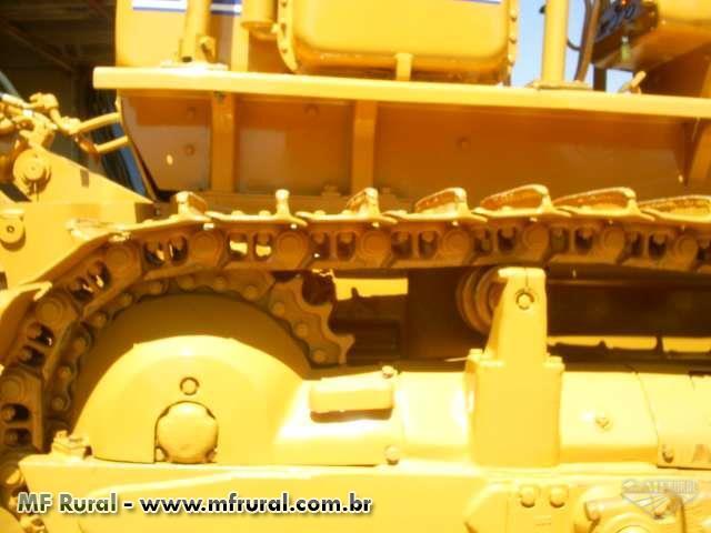 Trator de Esteiras Komatsu D50A Ano 1986 c/ Ríper