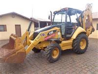 Retro-escavadeira Cat 416E 4x4 Ano 2014 c/ 4700 Horas