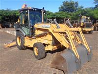 Retro-escavadeira Case 580N 2012 4x4 Cabinada