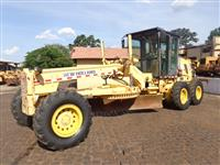 Motoniveladora New Holland RG140B Ano 2005