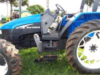 Trator New Holland TL 75 E 4x4 ano 04