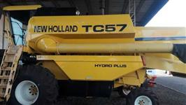 Colheitadeira TC 57 Hydro New Holland / 19 pés