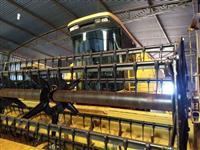 Colheitadeira NH 8055 / com 2 plataformas - Soja 15 pés / Milho BM 4 linhas / MAQUINA REVISADA *
