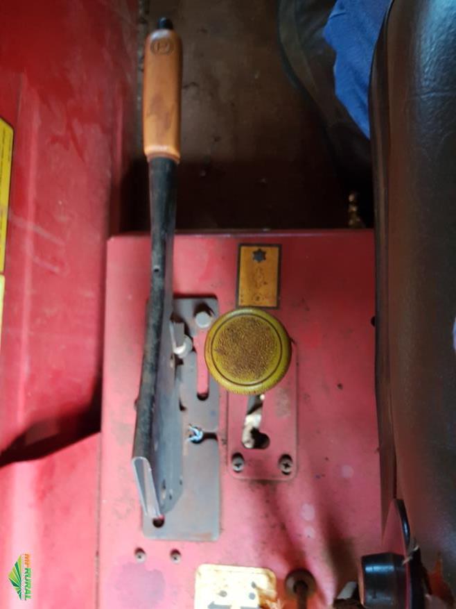 Trator Massey Ferguson 4275 4x4 ano 12