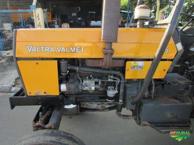 Trator Valtra/Valmet 785 4x2 ano 98