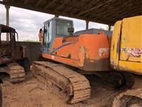 Escavadeira FX 215 LC em Peças