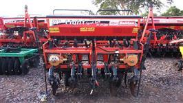 Plantadeira Hidraulica marca BALDAN modelo SP LIGHT 2500 de 5 linhas de 45 cm