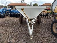 Distribuidor de calcario marca Maschietto modelo Spander 2500 kg