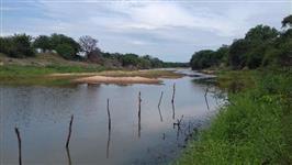 Fazenda em Tanhaçu/BA margeada por Rio perene com 280 hectares