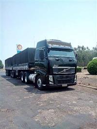 Caminhão Scania 124 360, ano 02/02, azul