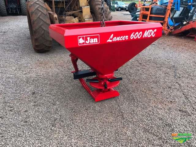 Distribuidor Adubo e Ureia Jan lancer 600