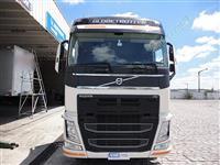 Caminhão  Volvo trucado pequenat entrada +  prestação 2900,00 sem burocracia   ano 11