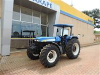 Trator New Holland 7630 4x4 ano 10