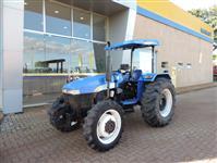 Trator New Holland TT 3840 4x4 ano 09