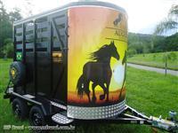 Reboque para II cavalos