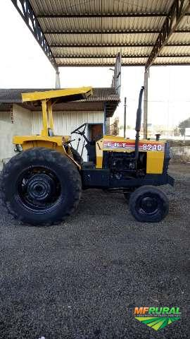 Trator Cbt 8240 4x2 ano 85