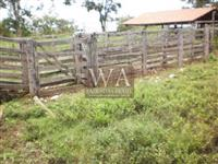 Fazenda bem localizada e boa de água