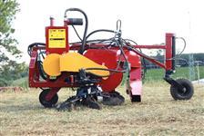 Máquina de arruação, varrição e esparramação - varredor Bertanha