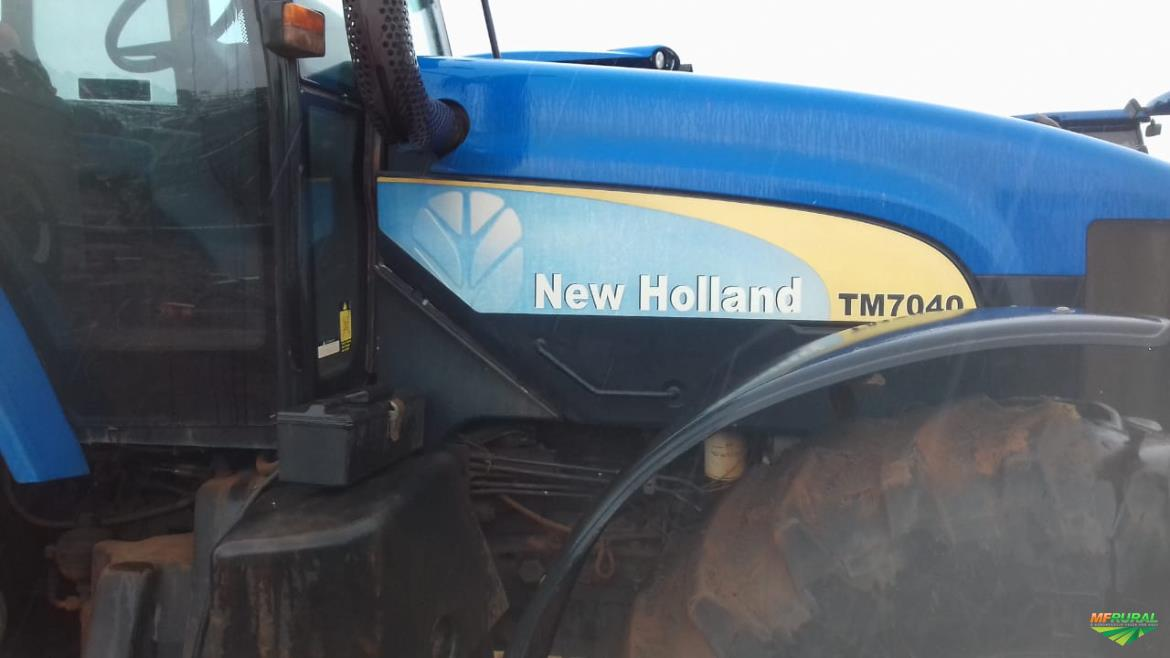 Trator New Holland T 7040 4x4 ano 14