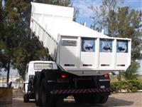 Caçamba basculante para caminhão trucado