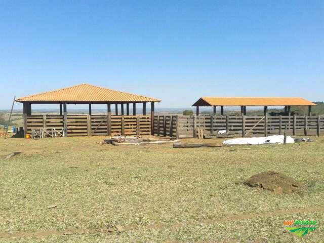 Vende-se fazenda em Coromandel-MG