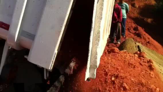 REVESTIMENTO para caçamba de caminhões